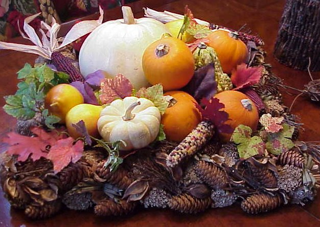 fall, decor, tablescape, pumpkins, color, pinecones